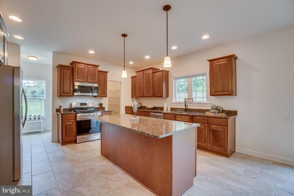 Kitchen - 705 KESWICK DR, CULPEPER