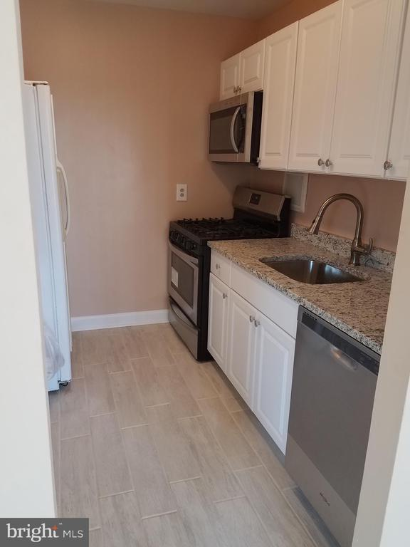 kitkitchen - 8000 LE HAVRE PL #15, FALLS CHURCH