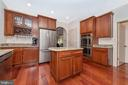 Stainless appliances, wine rack - 9708 WOODLAKE PL, NEW MARKET