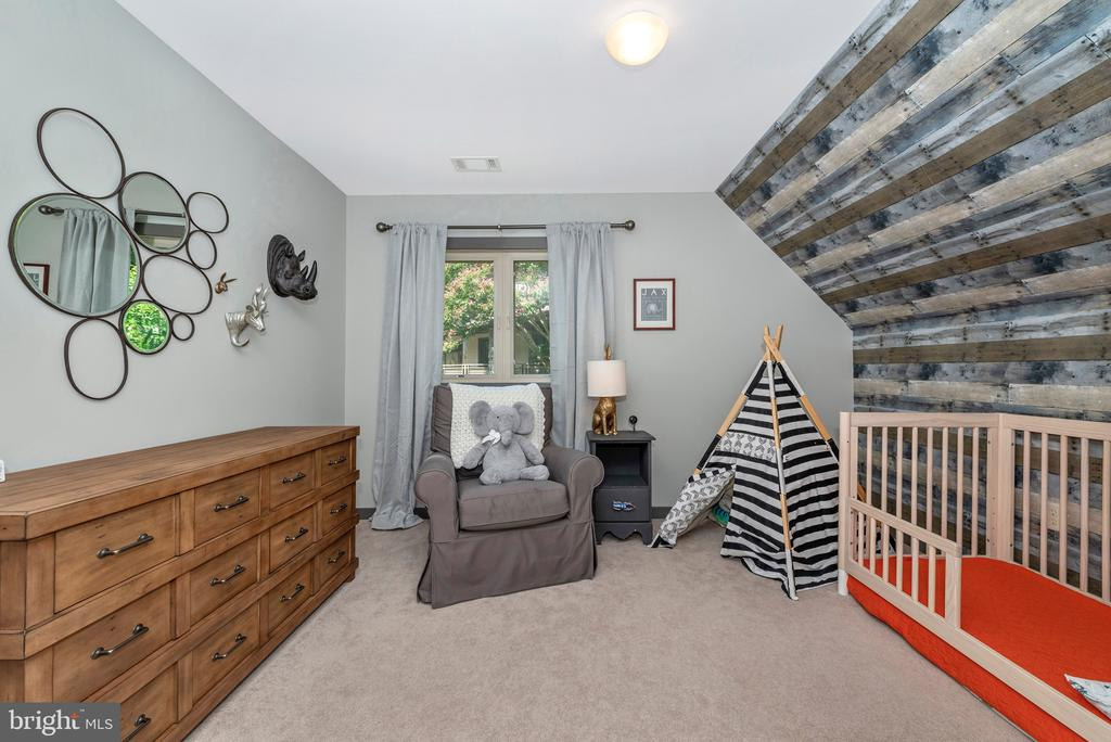 Stunning bedroom - 9708 WOODLAKE PL, NEW MARKET