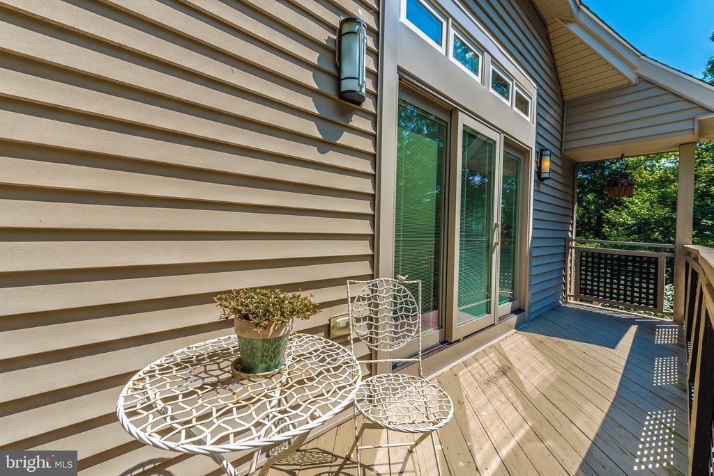Master ensuite deck and new doors - 9708 WOODLAKE PL, NEW MARKET