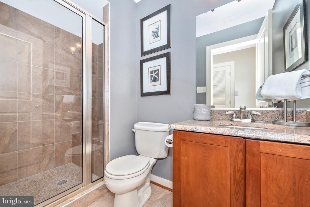 Full bath in basement - 9708 WOODLAKE PL, NEW MARKET