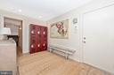 Large mudroom right off attached garage - 9708 WOODLAKE PL, NEW MARKET