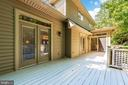 Deck off kitchen and living room - 9708 WOODLAKE PL, NEW MARKET