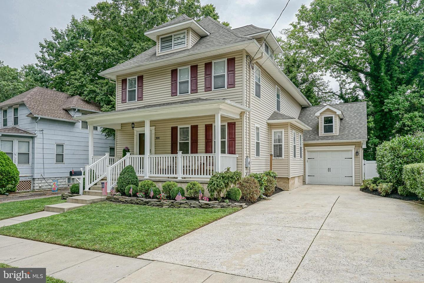 Photo of home for sale at 304 Toledo Avenue, Haddon Township NJ