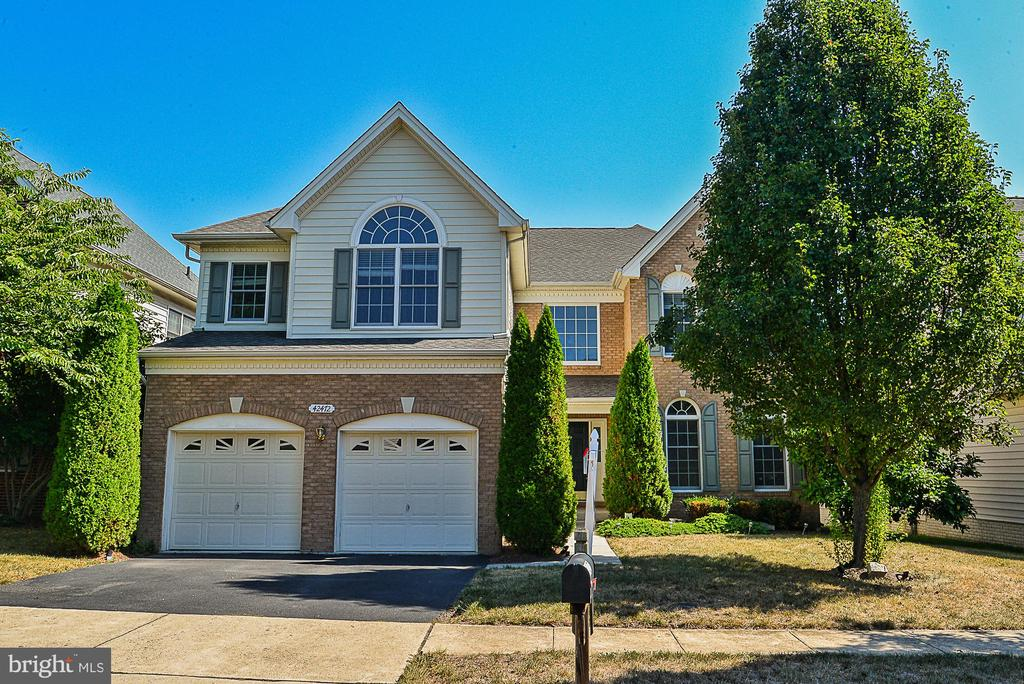 - 42472 UNICORN DR, CHANTILLY