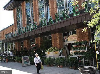 Minutes to whole foods - 1304 FAIRMONT ST NW #1, WASHINGTON