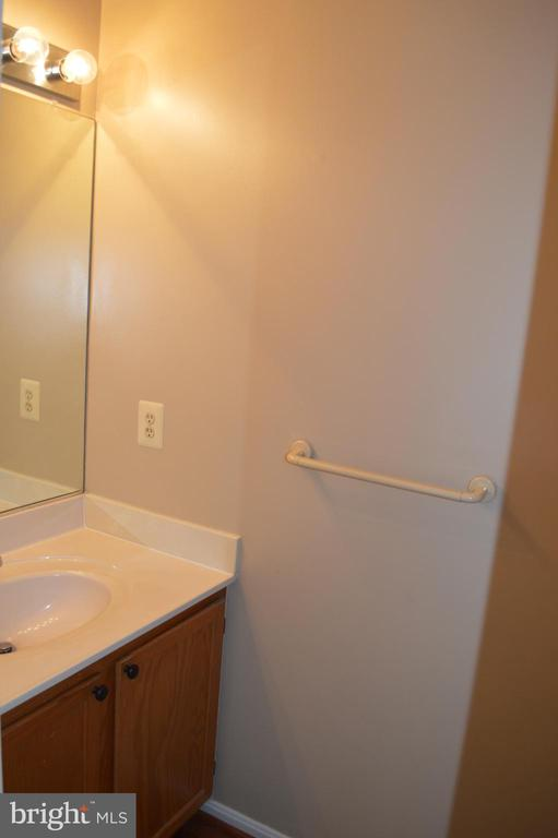 Half Bath Room on main Level - 17356 WEXFORD LOOP, DUMFRIES
