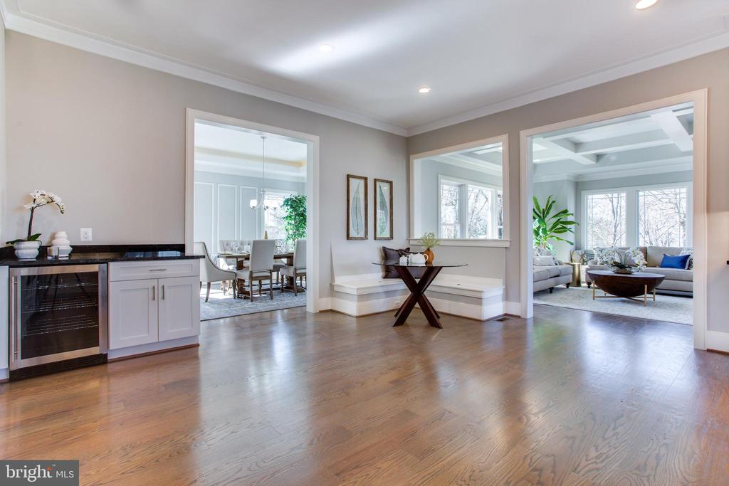 - 2124 MCKAY ST, FALLS CHURCH