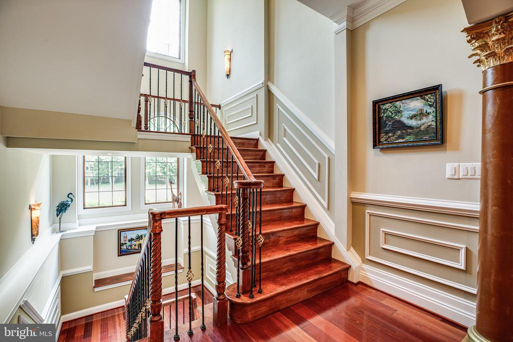 Wrought Iron Stair Case - 9 WINNING COLORS RD, STAFFORD