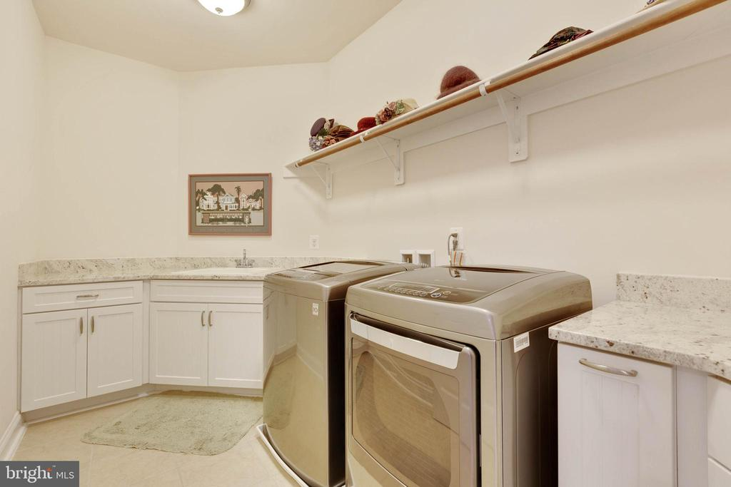 Upstairs Laundry Room - 3003 WEBER PL, OAKTON