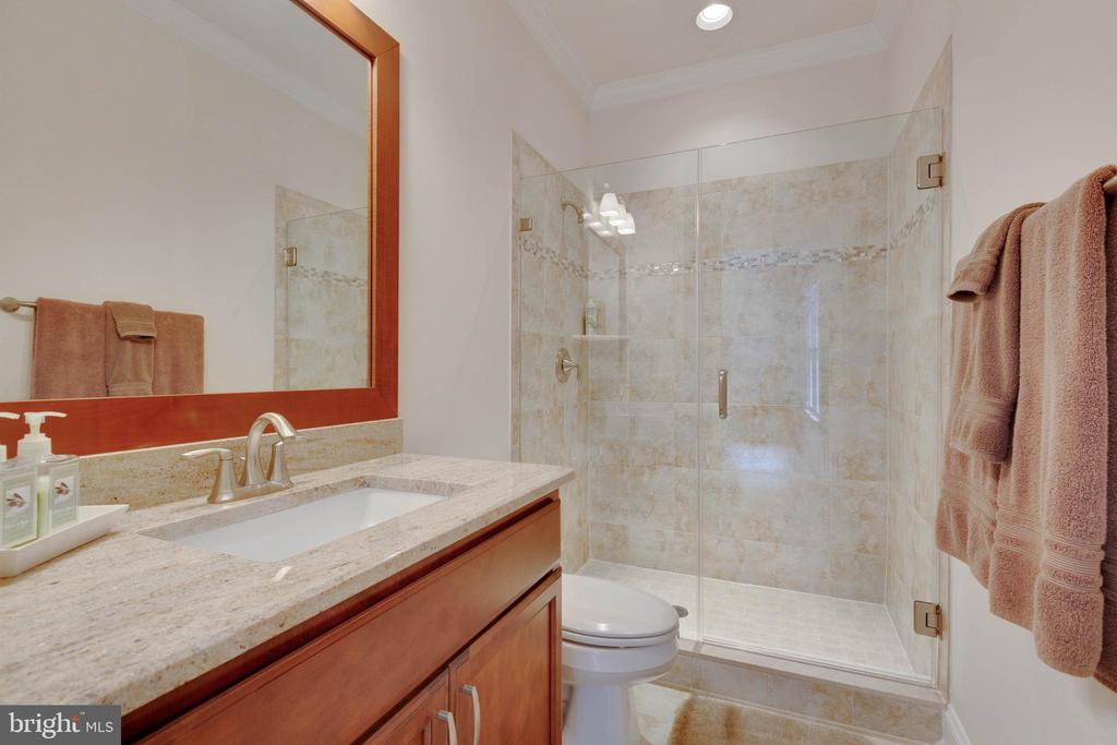 Upstairs Bedroom 2 Private Bath - 3003 WEBER PL, OAKTON