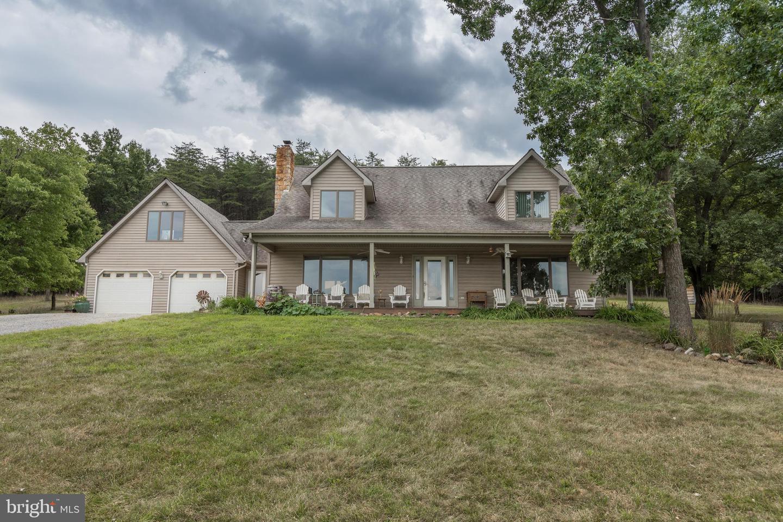 Single Family Homes para Venda às Yellow Spring, West Virginia 26865 Estados Unidos