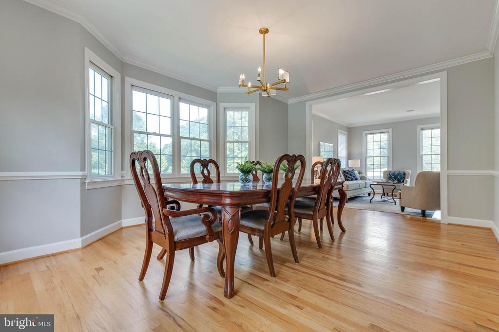 Dining room has so much natural light - 9620 CHATHAMS FORD DR, VIENNA