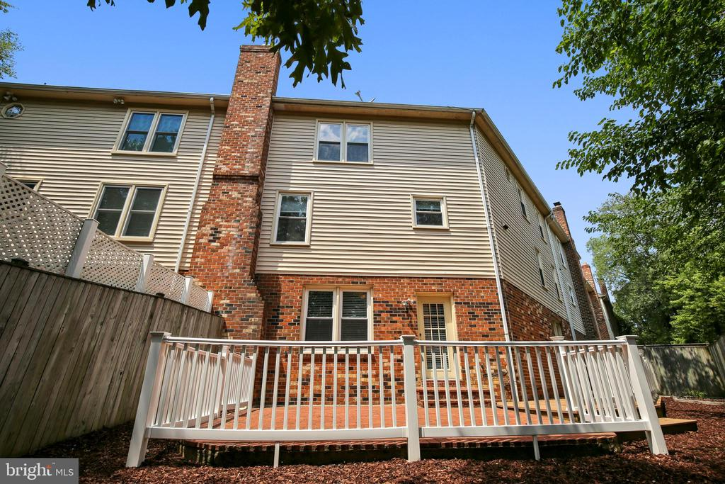 Large Brick Patio with Deck- pic 2 - 749 S GRANADA ST S, ARLINGTON