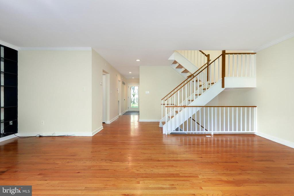 - 11489 WATERVIEW CLUSTER, RESTON