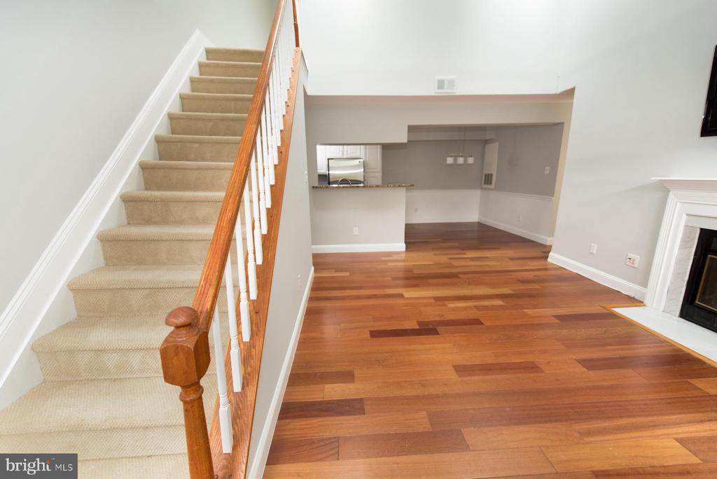 Stairs to loft space - 2224 SPRINGWOOD DR #106A, RESTON