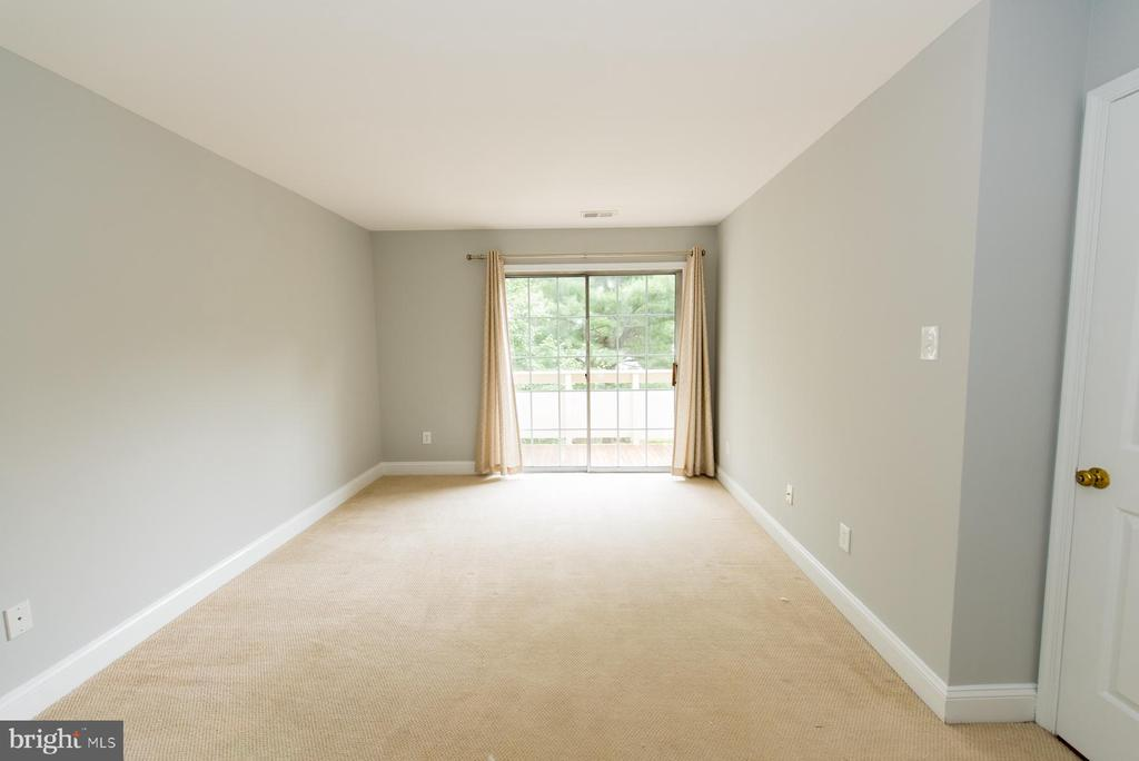 Master bedroom with balcony access - 2224 SPRINGWOOD DR #106A, RESTON
