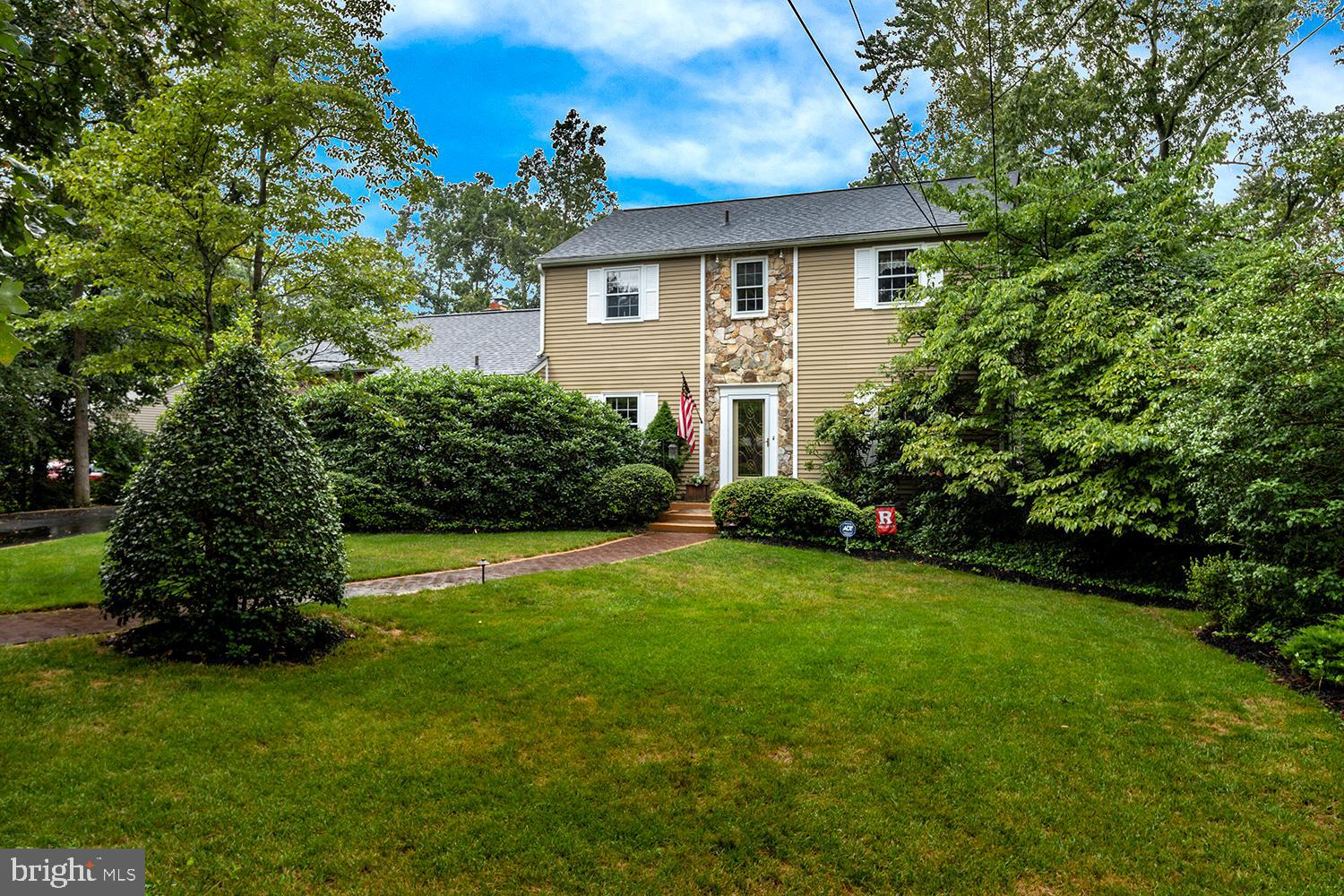 114 N lakeside Drive E, Medford NJ 08055
