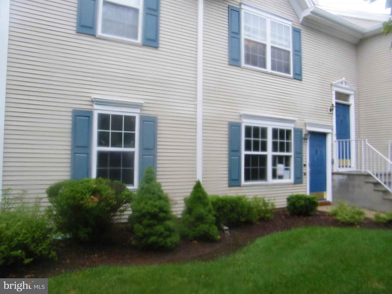 Single Family Homes для того Продажа на Pennington, Нью-Джерси 08534 Соединенные Штаты