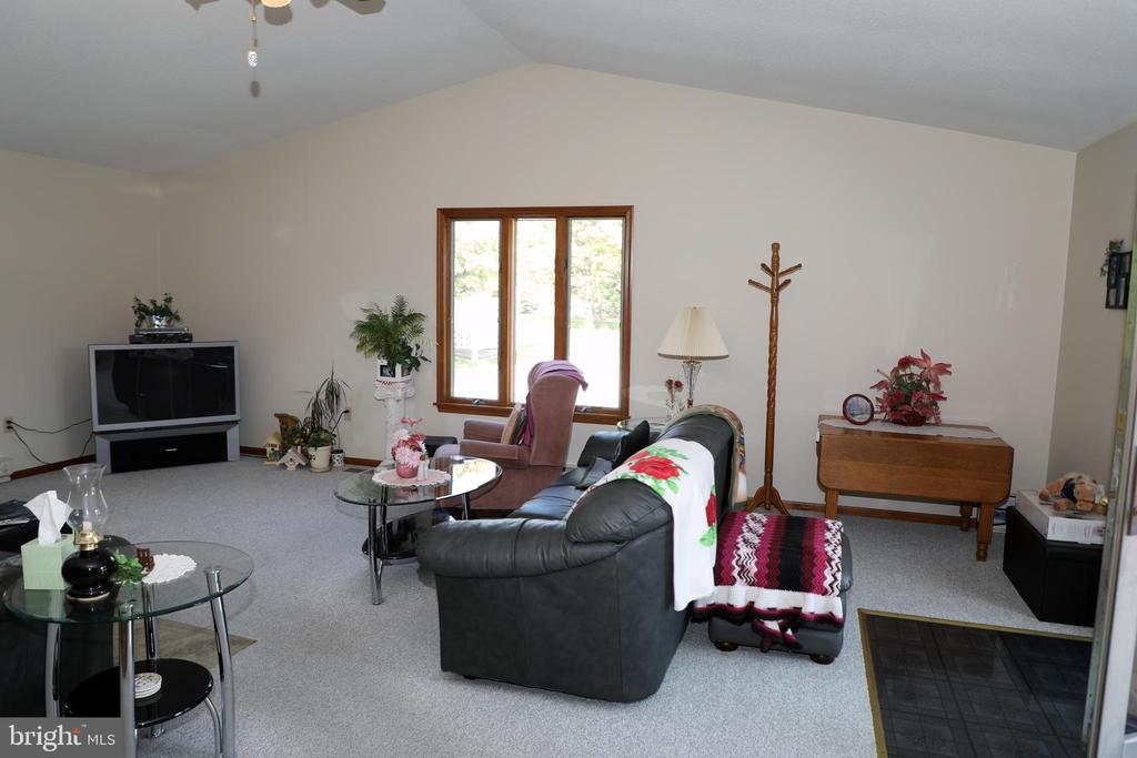 Cathedral/ Vaulted Ceiling in Family Room - 7839 RIDGE RD, FREDERICK