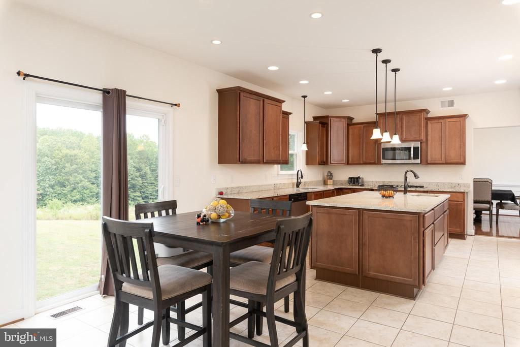 Breakfast Room and Kitchen - 301 MT HOPE CHURCH RD, STAFFORD