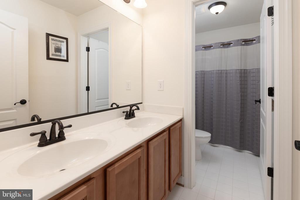 Hall Bathroom - 301 MT HOPE CHURCH RD, STAFFORD