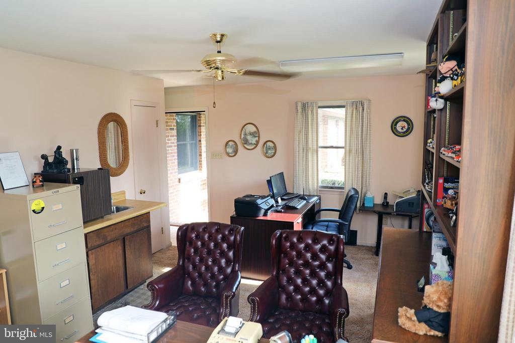Office with front porch Separate Entrance - 7839 RIDGE RD, FREDERICK