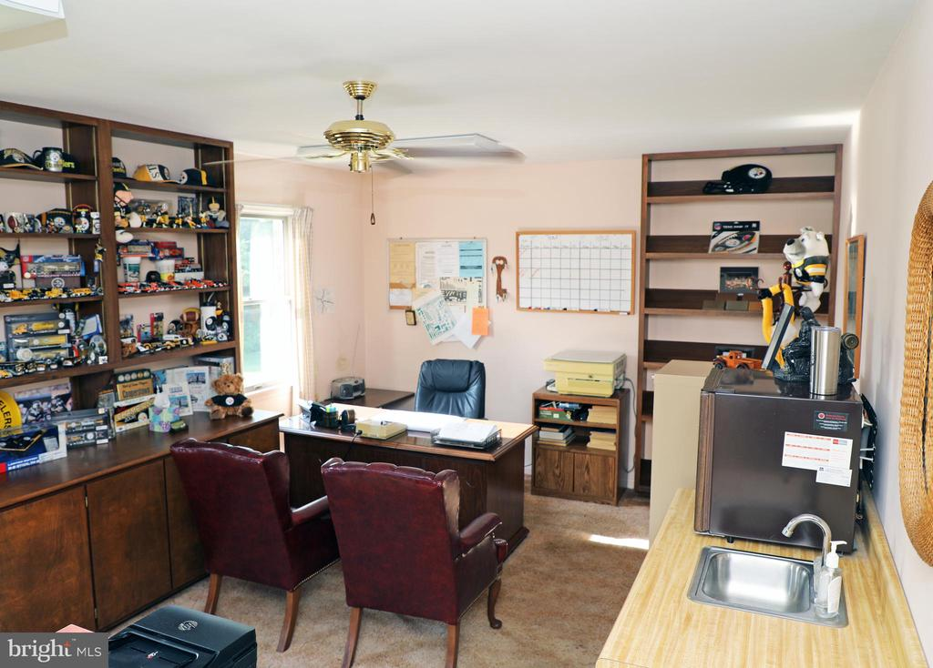 Office / 4th bedroom - 7839 RIDGE RD, FREDERICK