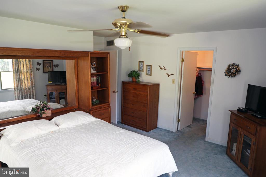 Master Bedroom with walk in closet - 7839 RIDGE RD, FREDERICK