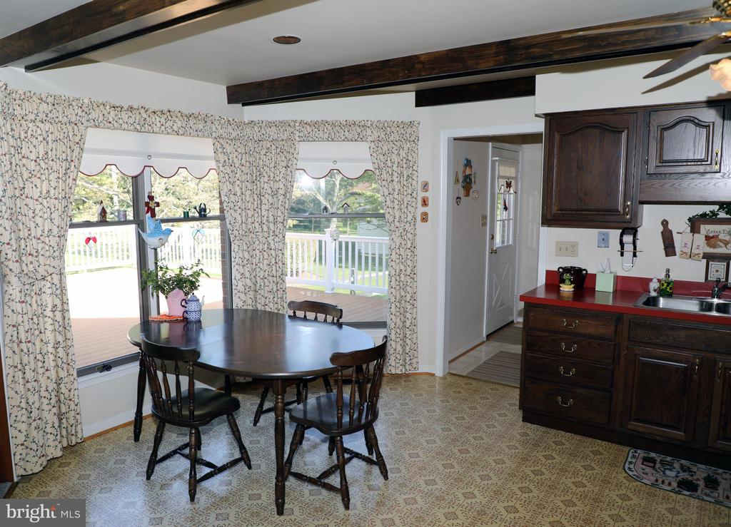 Kitchen with Country Kitchen feel - 7839 RIDGE RD, FREDERICK