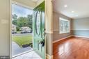 Captivating Entrance! - 2996 SLEAFORD CT, WOODBRIDGE
