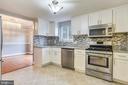 Fully Renovated Kitchen - 2996 SLEAFORD CT, WOODBRIDGE