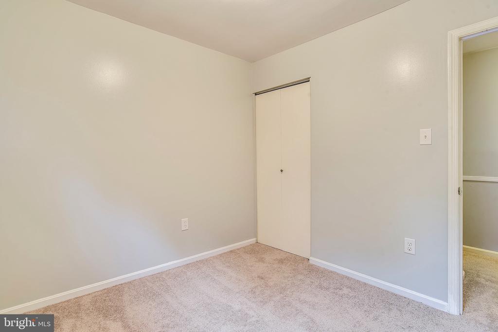 Bedroom 3 - Angle Viw - 2996 SLEAFORD CT, WOODBRIDGE