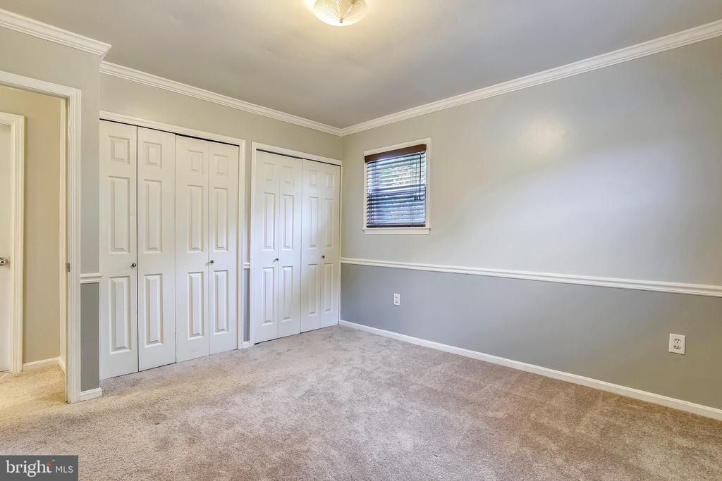 Master Suite - With dual closets. - 2996 SLEAFORD CT, WOODBRIDGE