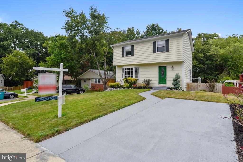 Refinished & Newly Painted Driveway. - 2996 SLEAFORD CT, WOODBRIDGE