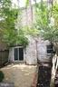 Good sized, level, fenced backyard - 2265 WHEYSTONE ST, VIENNA