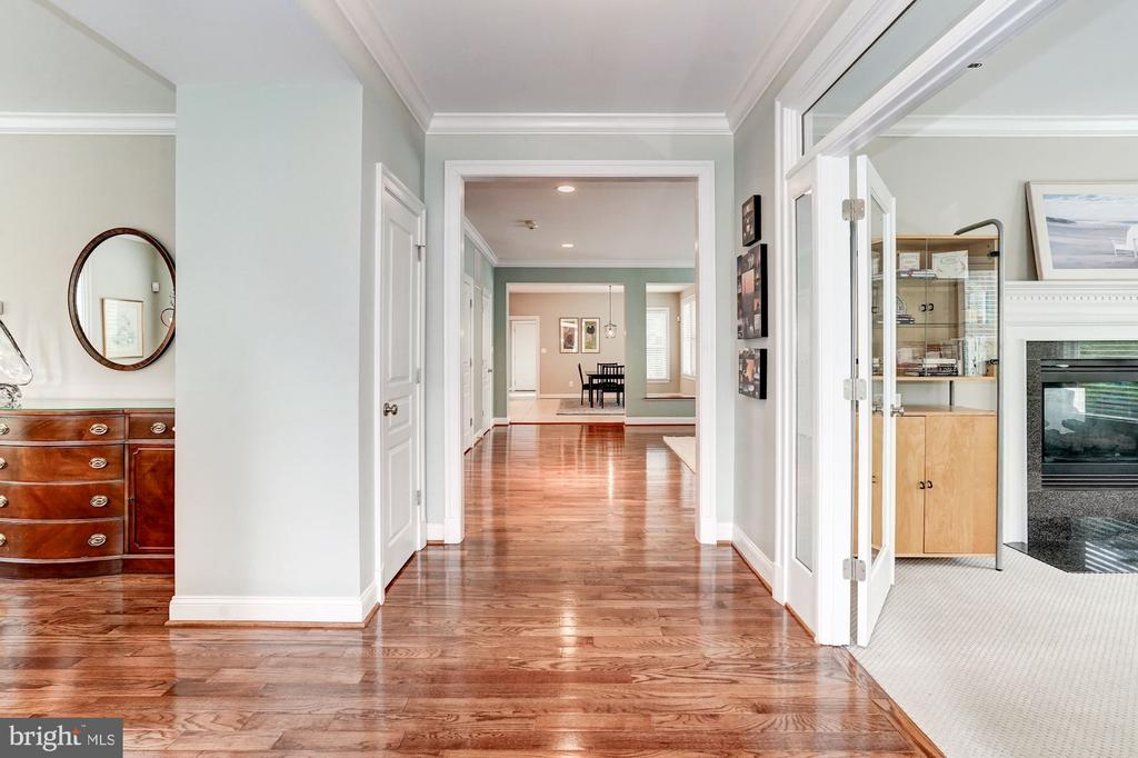 Gracious Front to Back - 107 HILLIER ST, FALLS CHURCH
