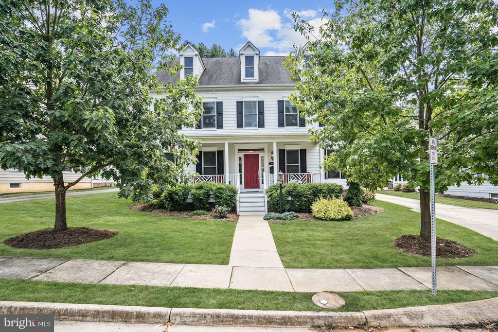 Front Elevation - 107 HILLIER ST, FALLS CHURCH