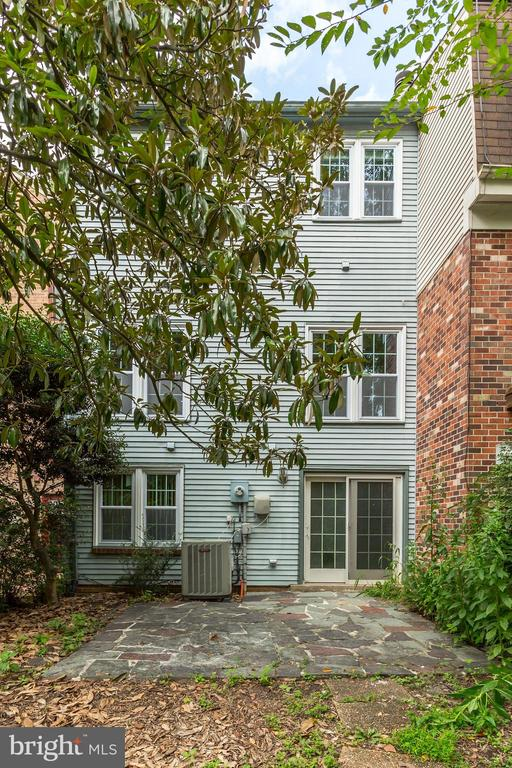 Don't miss out on this home! Has all the potential - 2183 GREENKEEPERS CT, RESTON