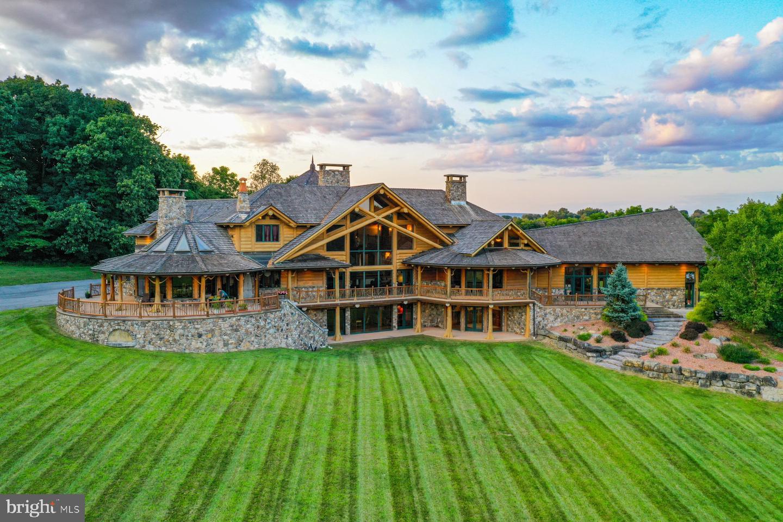 Single Family Homes للـ Sale في Nazareth, Pennsylvania 18064 United States