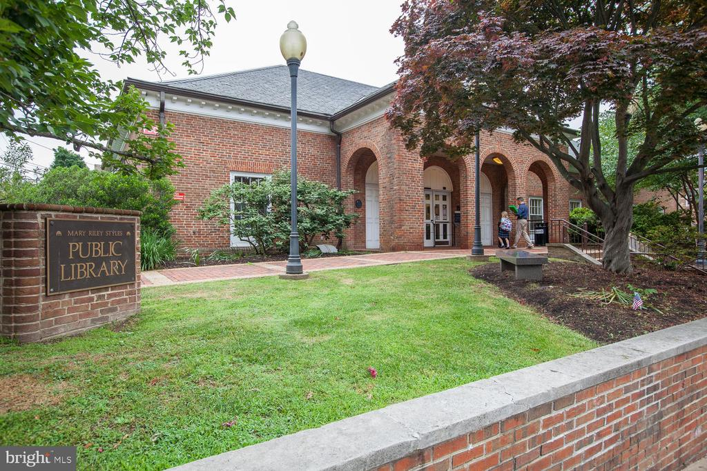 And the Library - 107 HILLIER ST, FALLS CHURCH