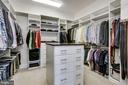 Custom built master closet - 23039 WELBOURNE WALK CT, ASHBURN