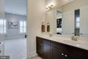 Main level full bath - 23039 WELBOURNE WALK CT, ASHBURN