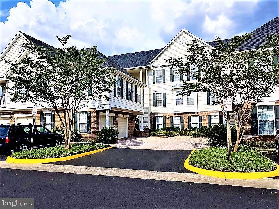 Single Family Homes for Sale at South Riding, Virginia 20152 United States