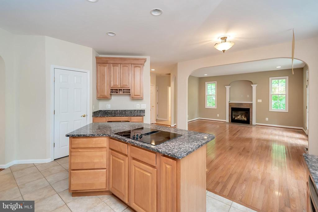 Perfect for keeping the family close - 812 EASTOVER PKWY, LOCUST GROVE