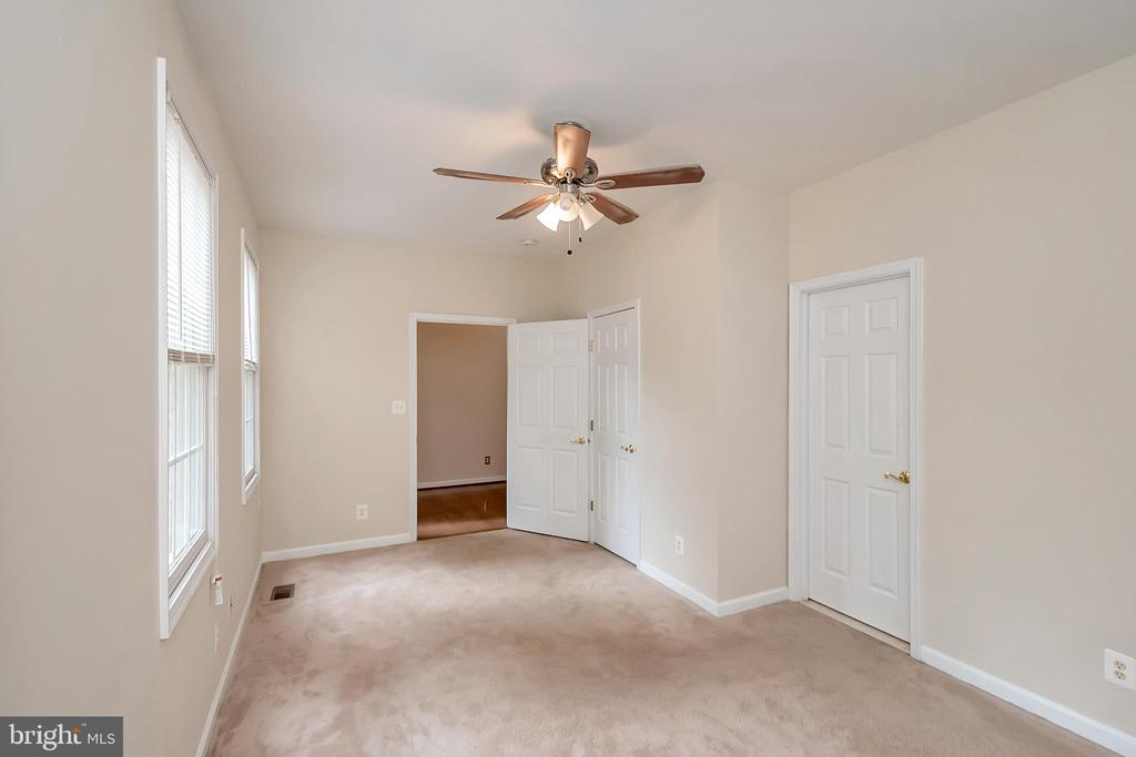 Added living space - 812 EASTOVER PKWY, LOCUST GROVE