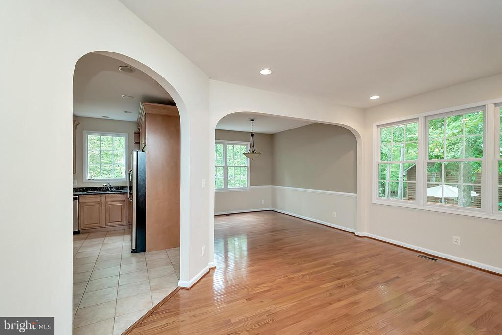 Arched doorways add character - 812 EASTOVER PKWY, LOCUST GROVE