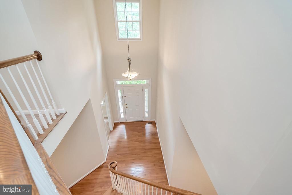 Soaring ceilings - 812 EASTOVER PKWY, LOCUST GROVE