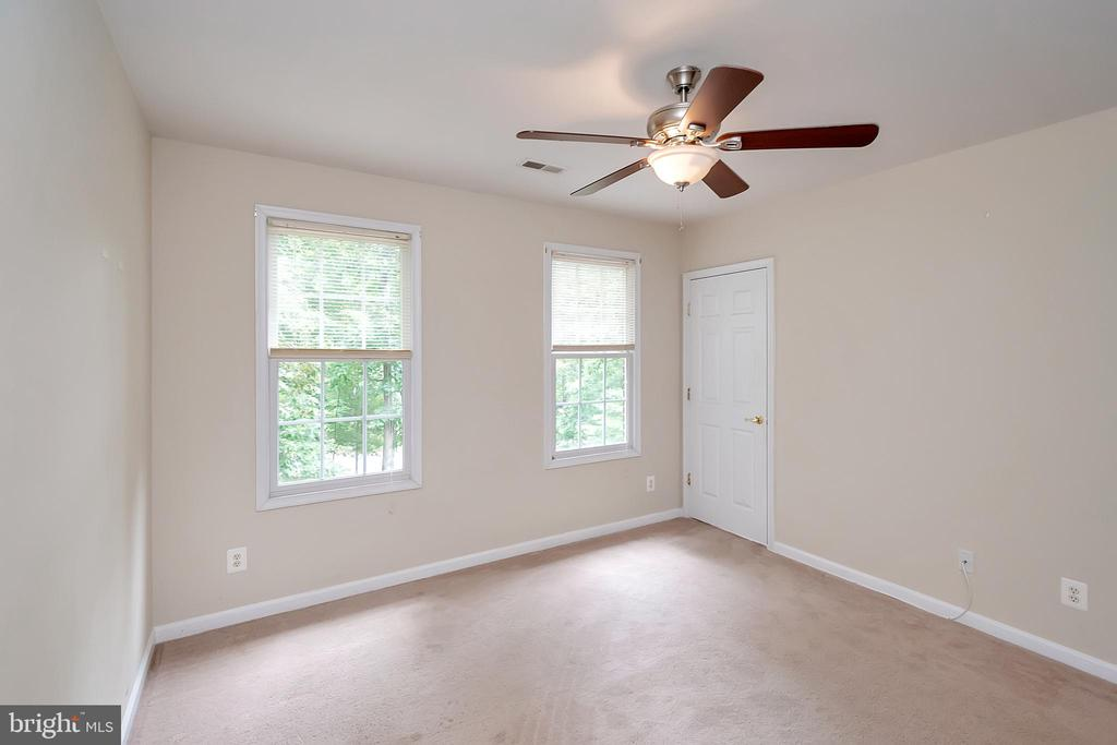 Bedroom for family or guests - 812 EASTOVER PKWY, LOCUST GROVE
